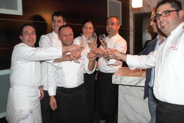 ed eccoli tutti e sei: Luigi Tramontano, Pasquale Palamaro, Giuseppe Stanzione, Rosanna Marziale, Vincenzo Guarino e Salvatore Bianco