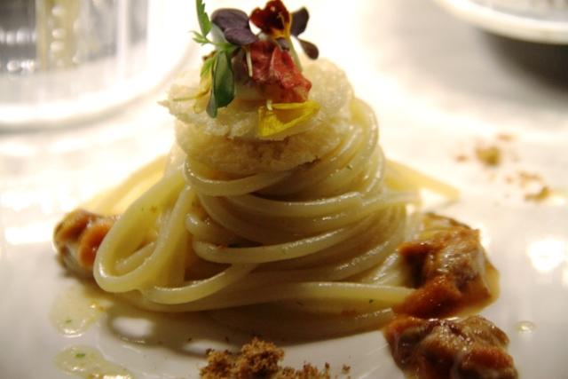 spaghetti ai ricci di mare, eleganti e profumati