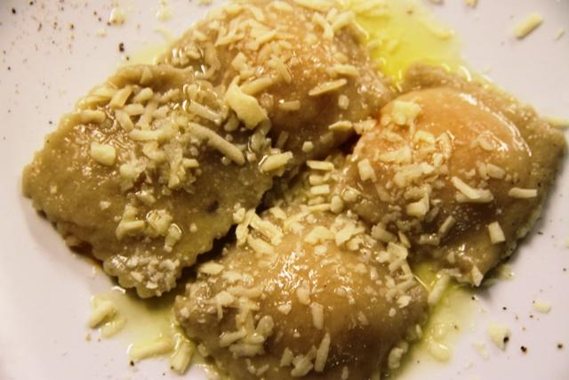 ravioli di patate all'alloro