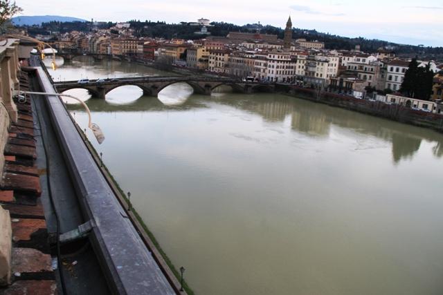 l'Arno è accanto