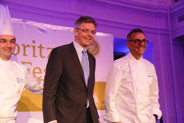 Massimo Bottura con il direttore e lo chef resident del Badrutt's Palace