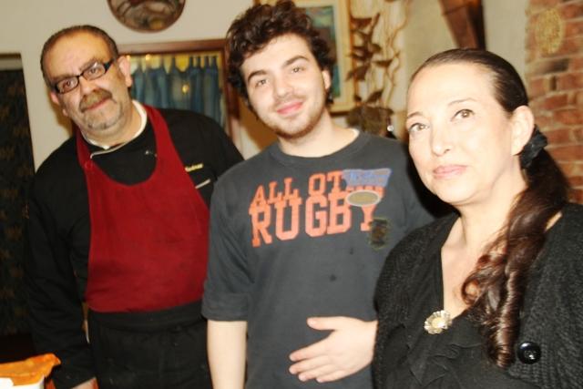 con la moglie Manila e il figlio Luca