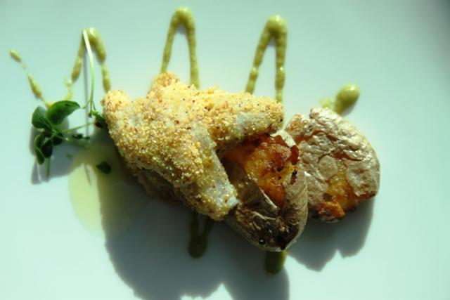 filetto di persico con patate di montagna schiacciate