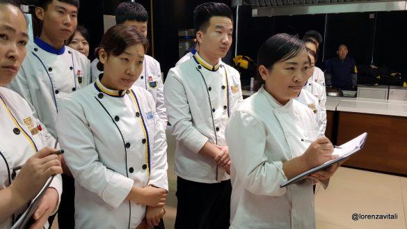 Salutiamo i ragazzi del corso di cucina